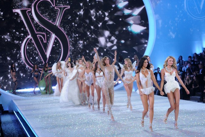 highlights-from-victoria-secret-fashion-show-2013-05
