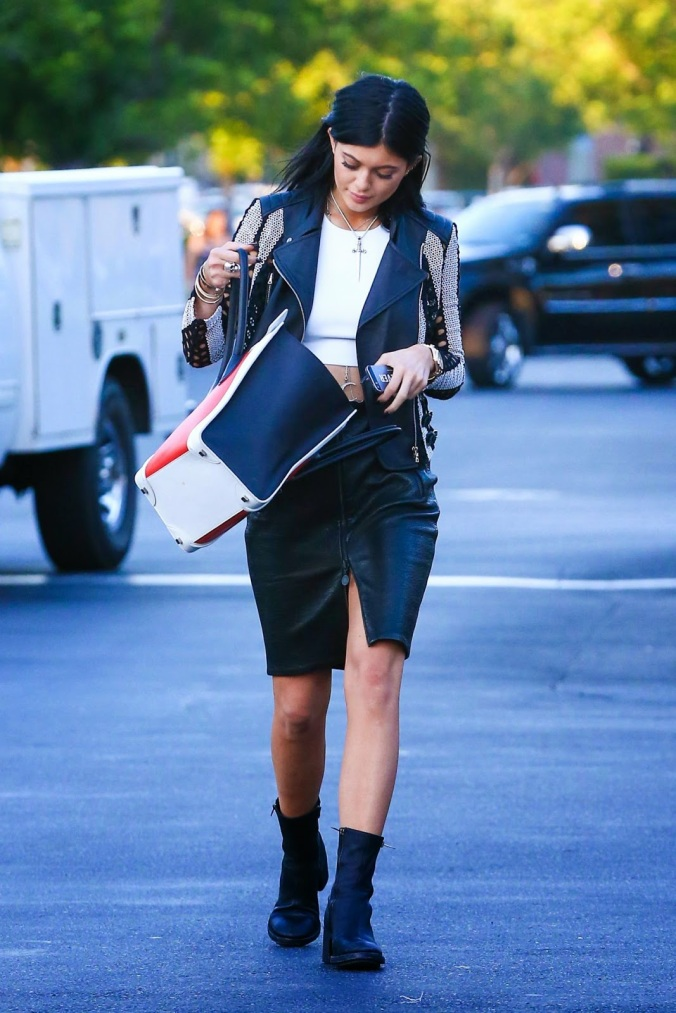 kylie-jenner-style-out-in-calabasas-august-2014_4